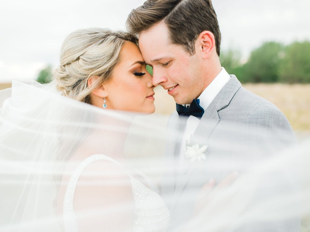 KAITLYN_AND_ZACHARY_HUNT_ALLEEJ_LUBBOCK_WEDDING_PHOTOGRAPHER_EBERLEY_BROOKS_EVENTS_0153.jpg