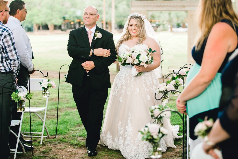 SARAH_AND_GEOFFREY_SHARP_SPIRIT_RANCH_WEDDING_ALLEEJ_LUBBOCK_TX_0039.jpg