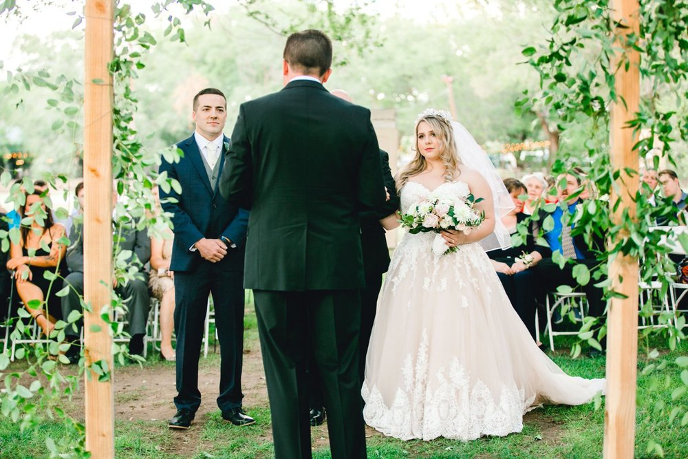 SARAH_AND_GEOFFREY_SHARP_SPIRIT_RANCH_WEDDING_ALLEEJ_LUBBOCK_TX_0044.jpg