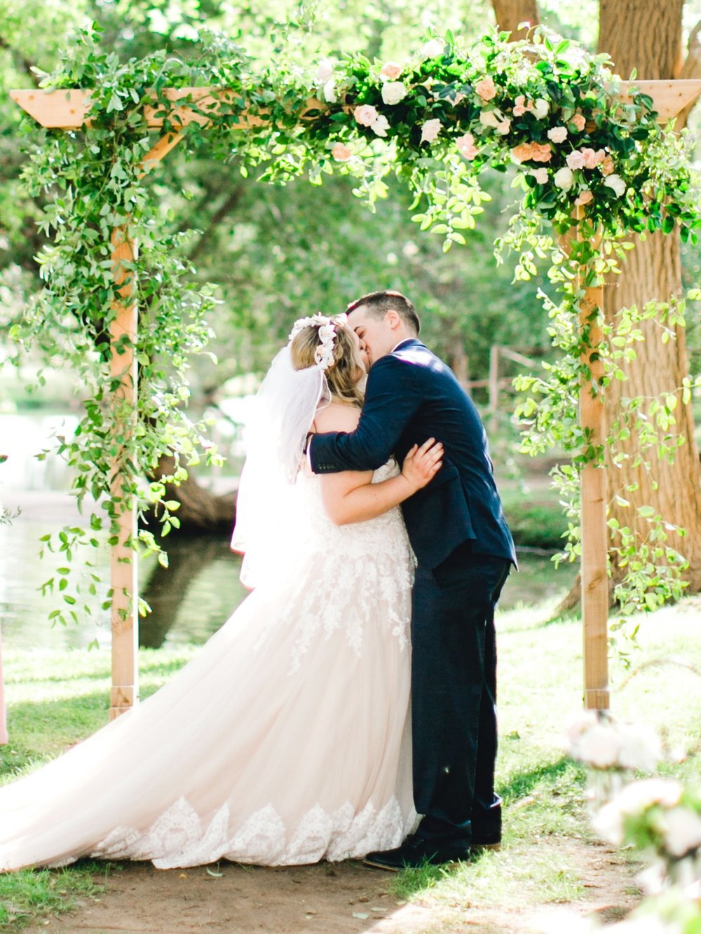 SARAH_AND_GEOFFREY_SHARP_SPIRIT_RANCH_WEDDING_ALLEEJ_LUBBOCK_TX_0077.jpg
