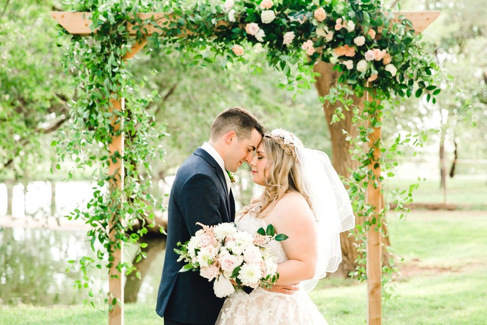 SARAH_AND_GEOFFREY_SHARP_SPIRIT_RANCH_WEDDING_ALLEEJ_LUBBOCK_TX_0102.jpg