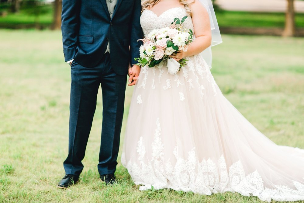 SARAH_AND_GEOFFREY_SHARP_SPIRIT_RANCH_WEDDING_ALLEEJ_LUBBOCK_TX_0108.jpg