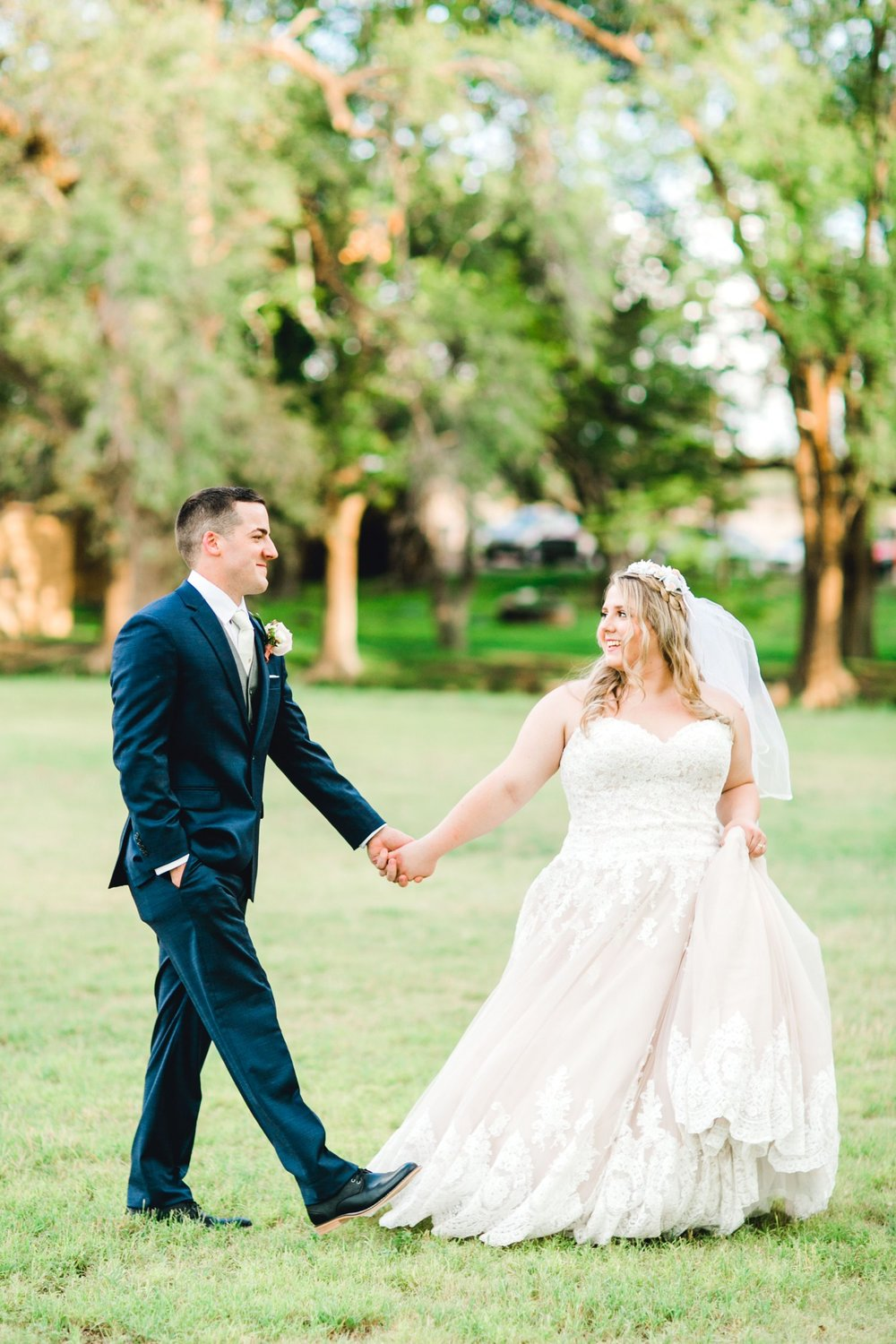 SARAH_AND_GEOFFREY_SHARP_SPIRIT_RANCH_WEDDING_ALLEEJ_LUBBOCK_TX_0110.jpg