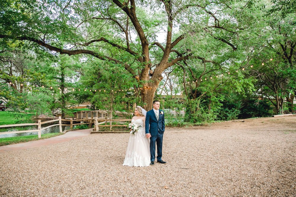 SARAH_AND_GEOFFREY_SHARP_SPIRIT_RANCH_WEDDING_ALLEEJ_LUBBOCK_TX_0124.jpg