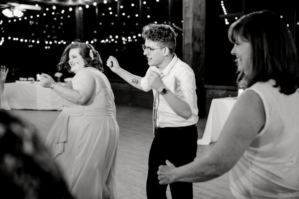 SARAH_AND_GEOFFREY_SHARP_SPIRIT_RANCH_WEDDING_ALLEEJ_LUBBOCK_TX_0181.jpg