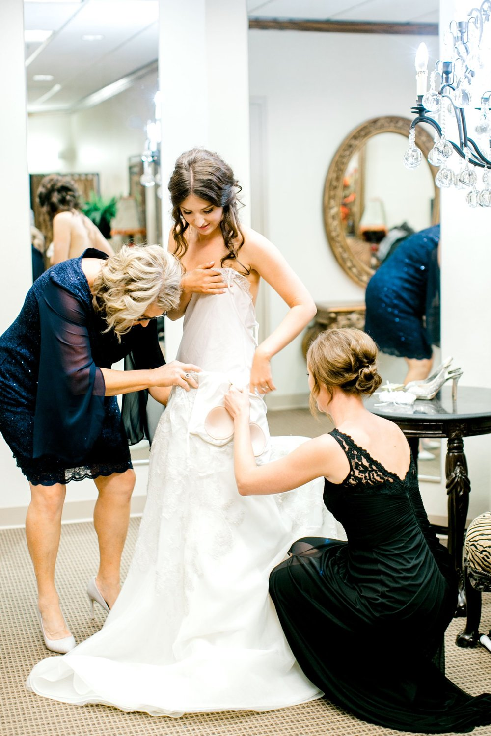 Hunter_and_Molly_Rawls_ALLEEJ_Lubbock_WEDDING_Legacy_Event_Center_0004.jpg