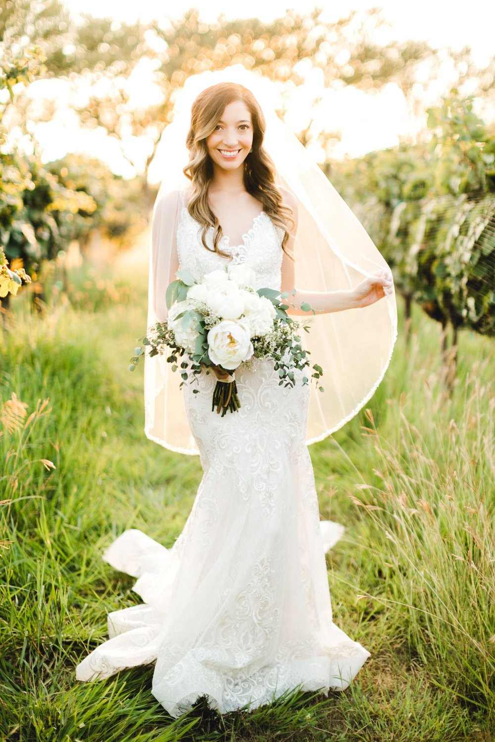 Ashley_Parr_Bridals_ALLEEJ_caprock_winery_romantic_elegant0018.jpg