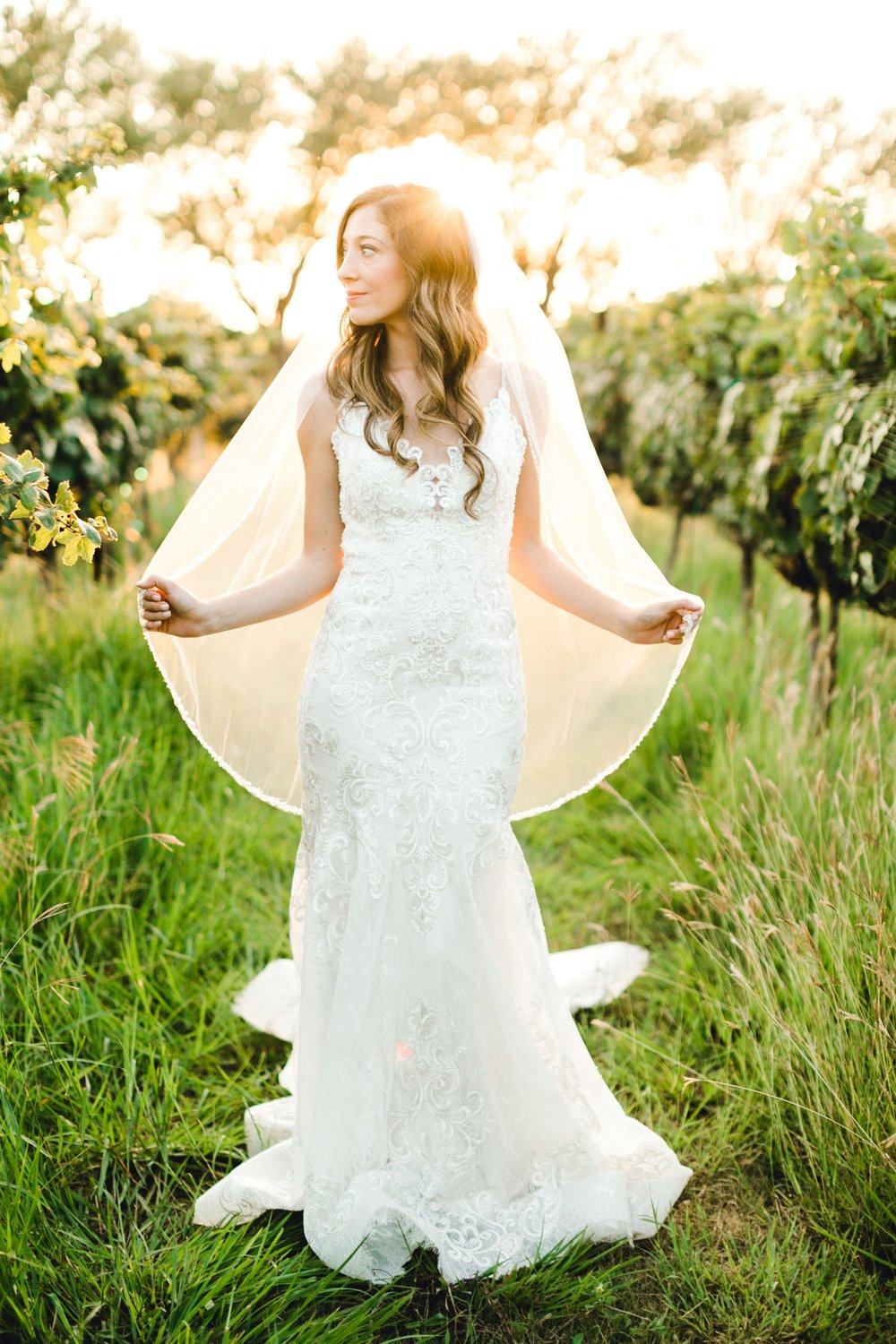 Ashley_Parr_Bridals_ALLEEJ_caprock_winery_romantic_elegant0025.jpg