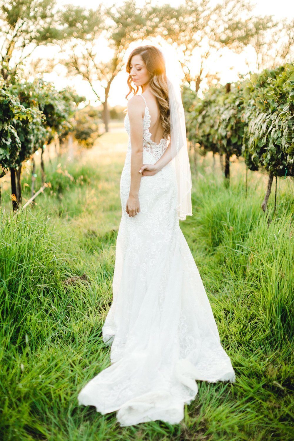 Ashley_Parr_Bridals_ALLEEJ_caprock_winery_romantic_elegant0027.jpg