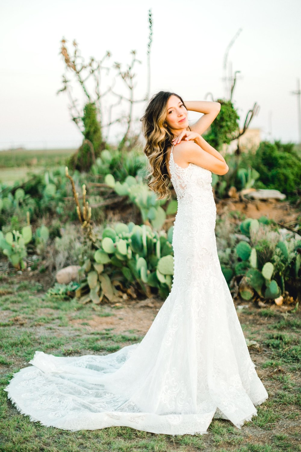 Ashley_Parr_Bridals_ALLEEJ_caprock_winery_romantic_elegant0031.jpg