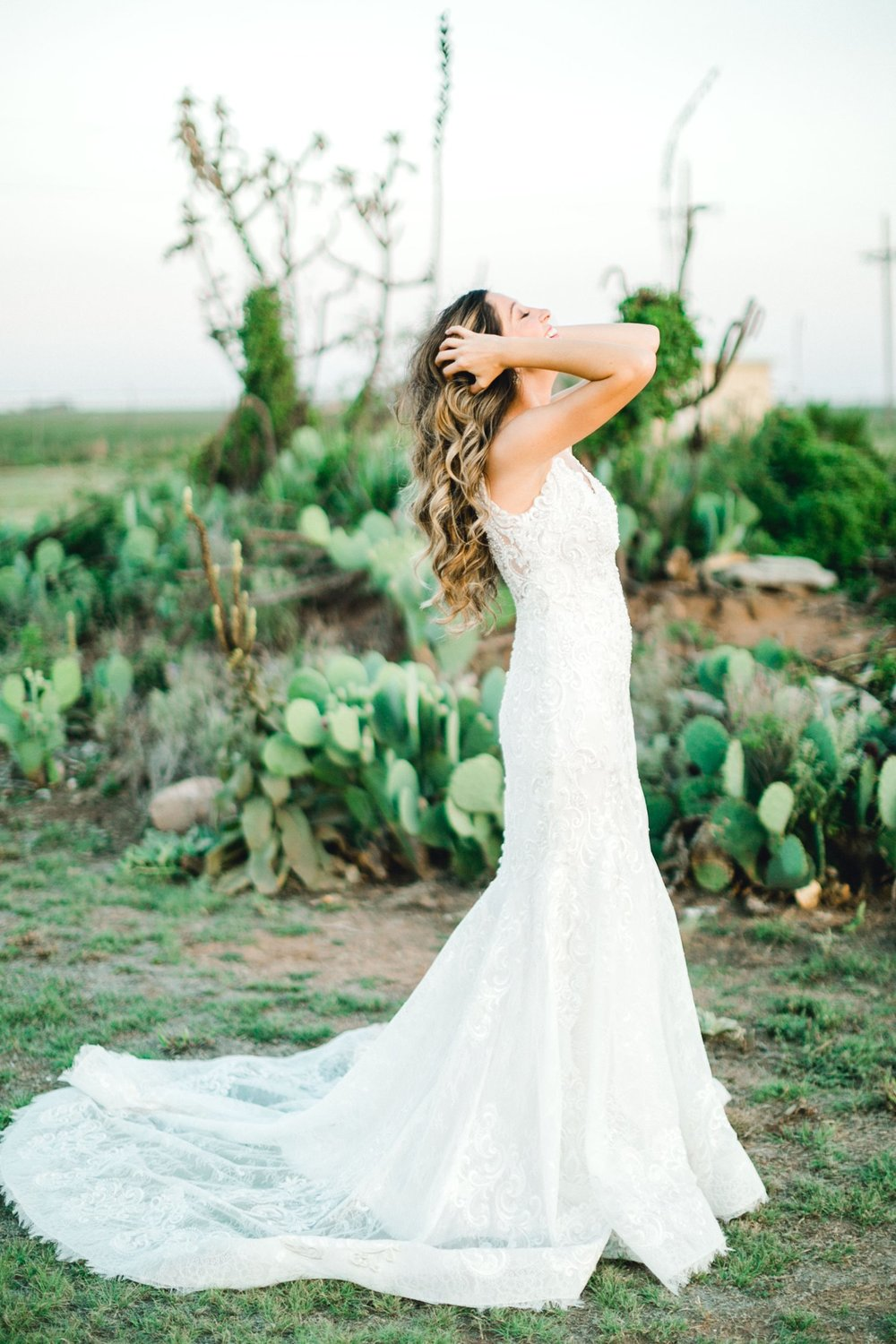 Ashley_Parr_Bridals_ALLEEJ_caprock_winery_romantic_elegant0033.jpg