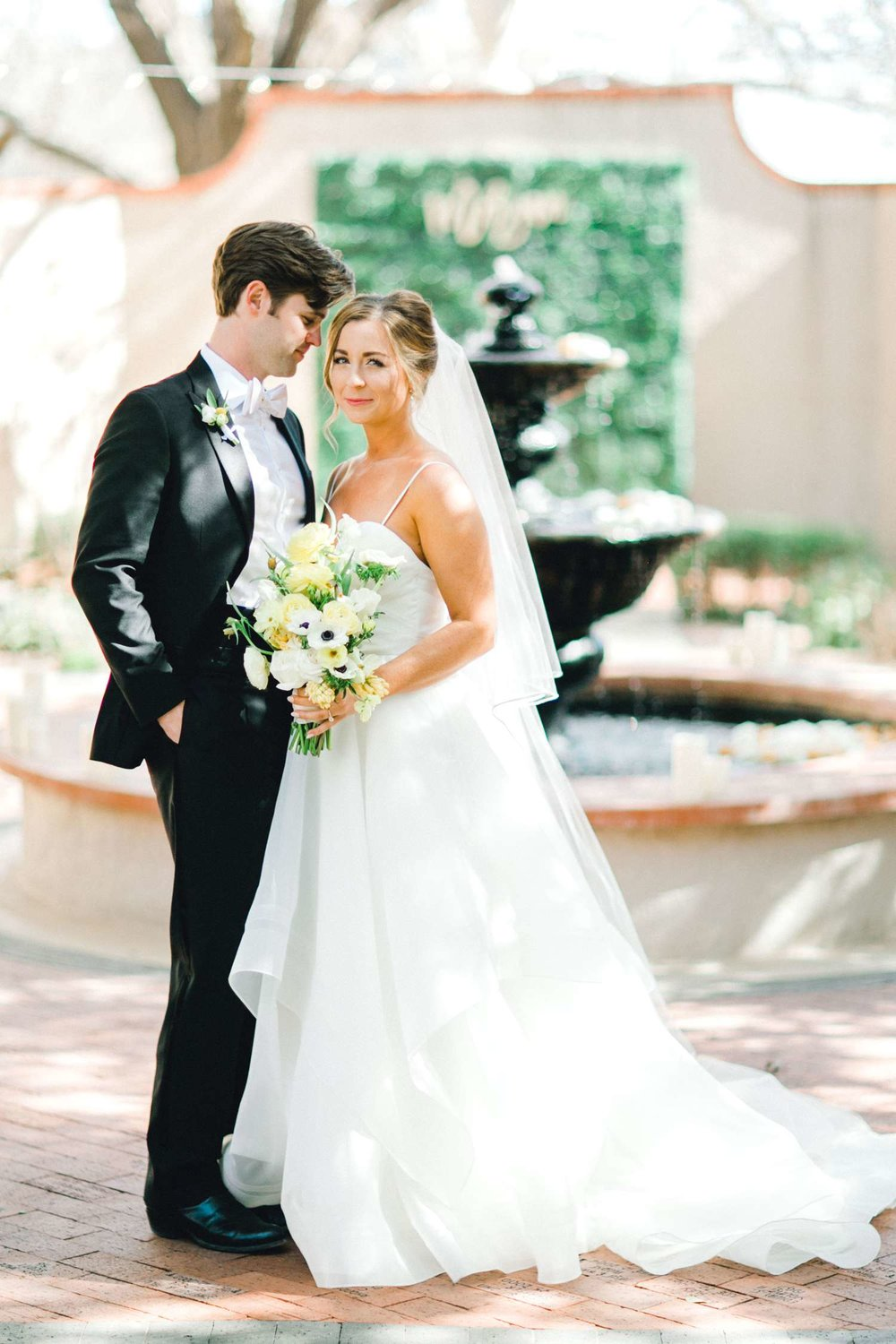 MARLEE+LLOYD+MORGAN+ALLEEJ+TEXAS+TECH+MERKET+ALUMNI+WEDDINGS+LUBBOCK+WEST+TABLE+CLASSIC+SPAIN_0081.jpg