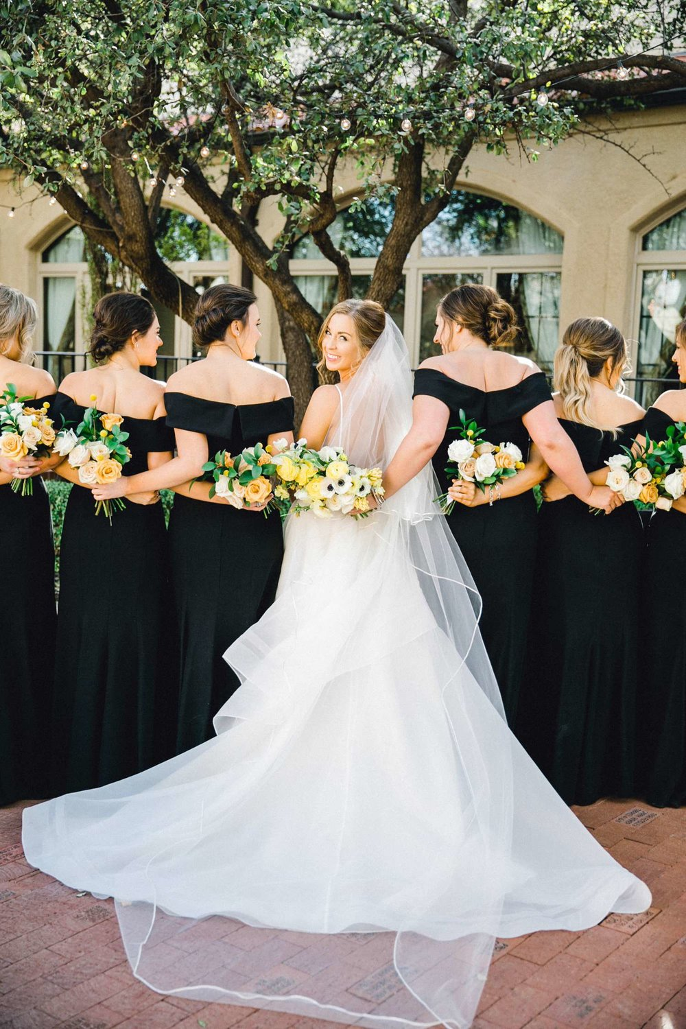 MARLEE+LLOYD+MORGAN+ALLEEJ+TEXAS+TECH+MERKET+ALUMNI+WEDDINGS+LUBBOCK+WEST+TABLE+CLASSIC+SPAIN_0083.jpg