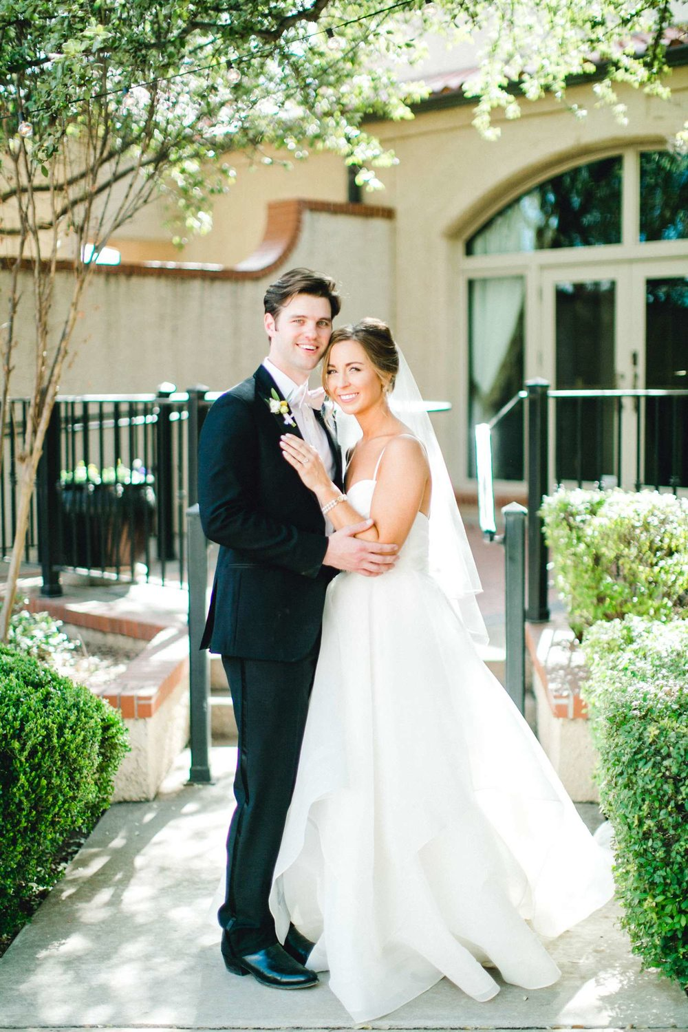 MARLEE+LLOYD+MORGAN+ALLEEJ+TEXAS+TECH+MERKET+ALUMNI+WEDDINGS+LUBBOCK+WEST+TABLE+CLASSIC+SPAIN_0101.jpg