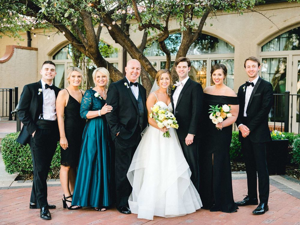 MARLEE+LLOYD+MORGAN+ALLEEJ+TEXAS+TECH+MERKET+ALUMNI+WEDDINGS+LUBBOCK+WEST+TABLE+CLASSIC+SPAIN_0133.jpg