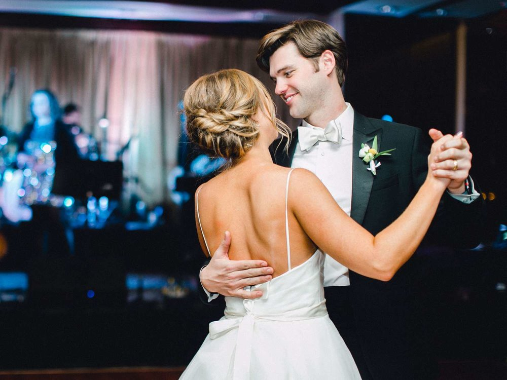MARLEE+LLOYD+MORGAN+ALLEEJ+TEXAS+TECH+MERKET+ALUMNI+WEDDINGS+LUBBOCK+WEST+TABLE+CLASSIC+SPAIN_0211.jpg