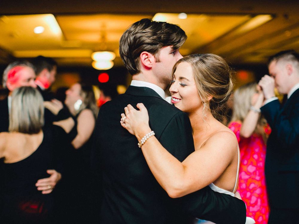 MARLEE+LLOYD+MORGAN+ALLEEJ+TEXAS+TECH+MERKET+ALUMNI+WEDDINGS+LUBBOCK+WEST+TABLE+CLASSIC+SPAIN_0214.jpg