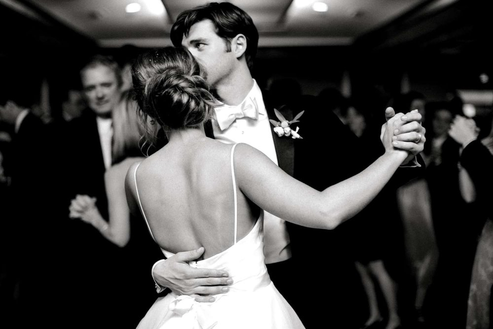 MARLEE+LLOYD+MORGAN+ALLEEJ+TEXAS+TECH+MERKET+ALUMNI+WEDDINGS+LUBBOCK+WEST+TABLE+CLASSIC+SPAIN_0215.jpg