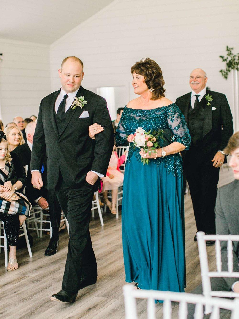 HEBERT_MORGAN_AND_CLAY_ALLEEJ_THE_FARMHOUSE_MONTGOMERY_TEXAS_WEDDING_0074.jpg