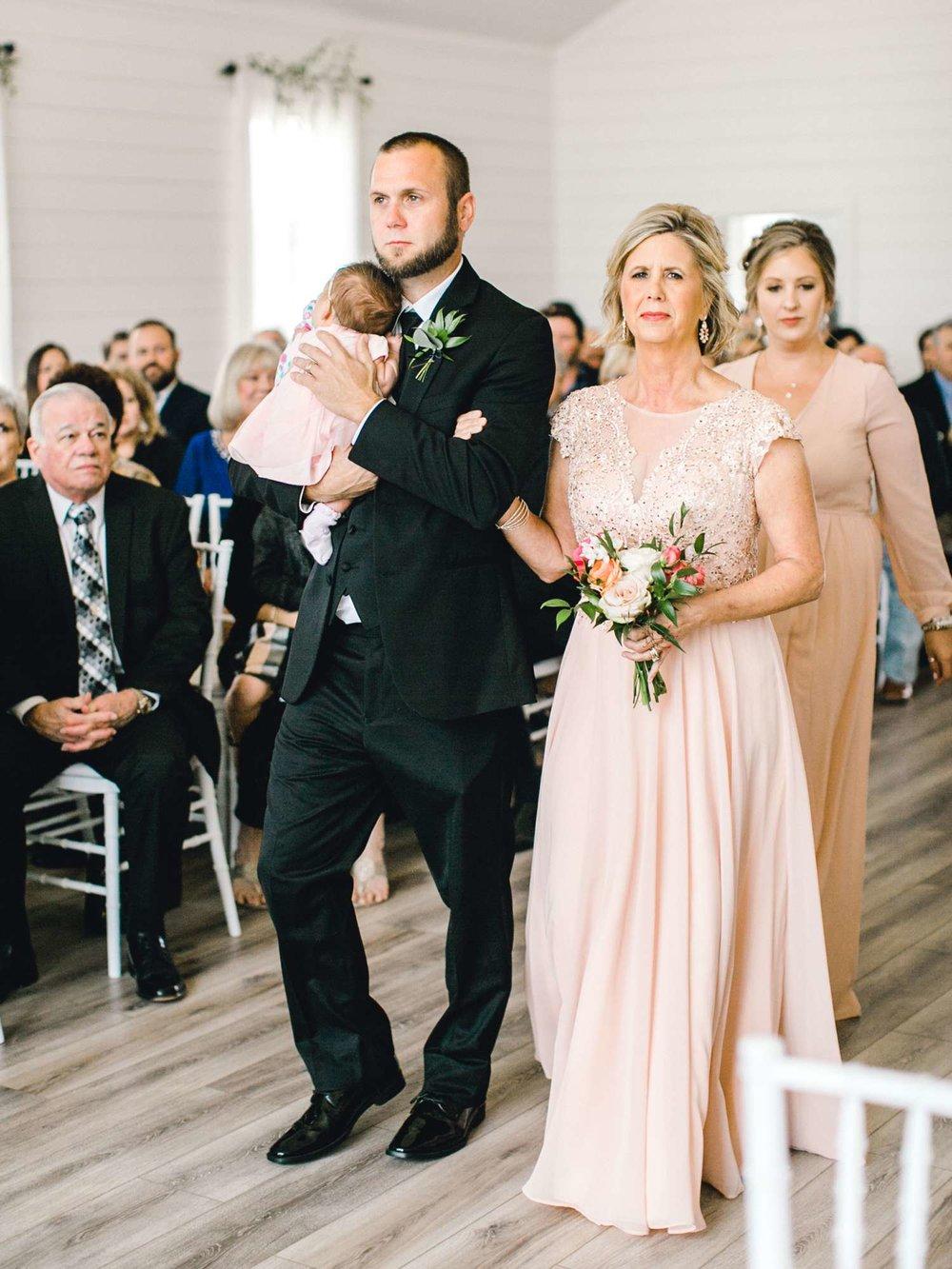 HEBERT_MORGAN_AND_CLAY_ALLEEJ_THE_FARMHOUSE_MONTGOMERY_TEXAS_WEDDING_0076.jpg