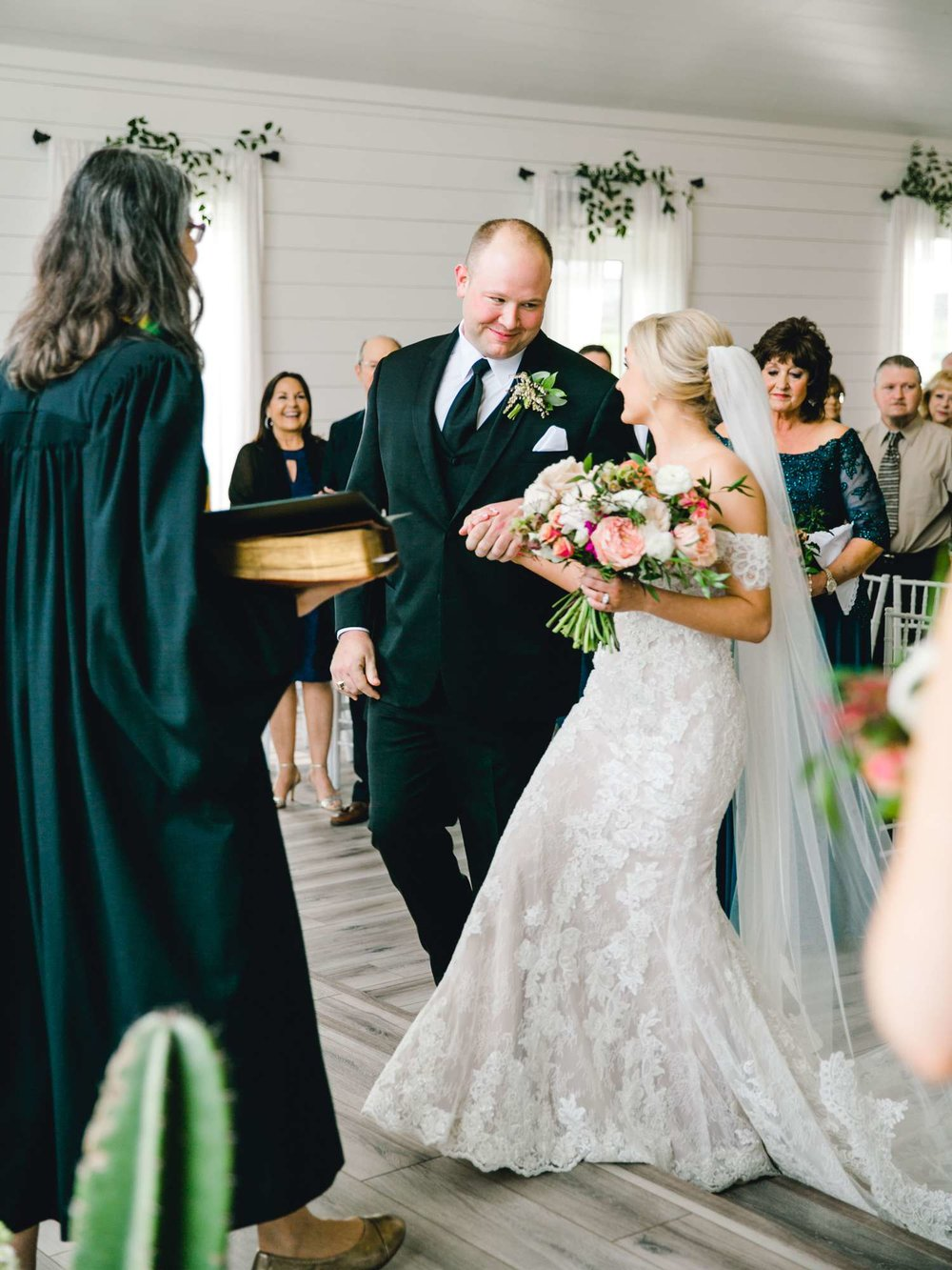 HEBERT_MORGAN_AND_CLAY_ALLEEJ_THE_FARMHOUSE_MONTGOMERY_TEXAS_WEDDING_0085.jpg