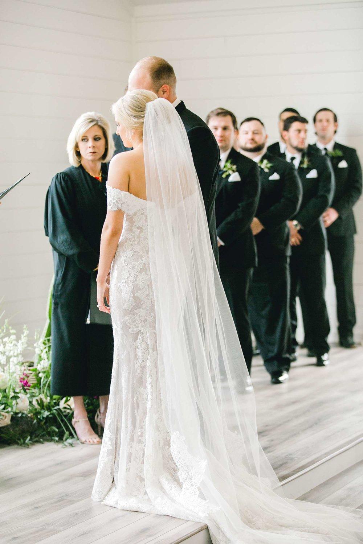 HEBERT_MORGAN_AND_CLAY_ALLEEJ_THE_FARMHOUSE_MONTGOMERY_TEXAS_WEDDING_0090.jpg
