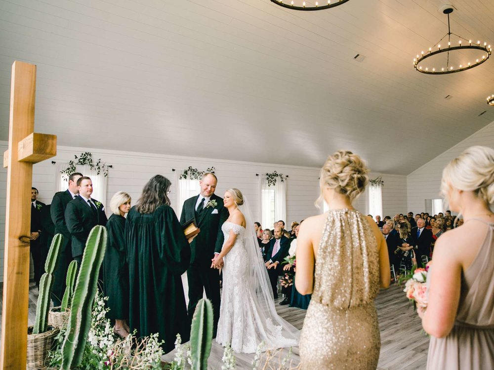 HEBERT_MORGAN_AND_CLAY_ALLEEJ_THE_FARMHOUSE_MONTGOMERY_TEXAS_WEDDING_0099.jpg