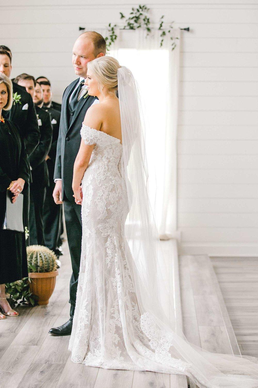 HEBERT_MORGAN_AND_CLAY_ALLEEJ_THE_FARMHOUSE_MONTGOMERY_TEXAS_WEDDING_0101.jpg