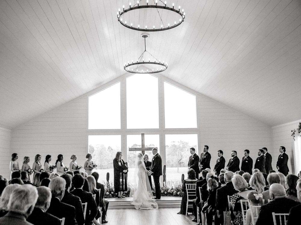 HEBERT_MORGAN_AND_CLAY_ALLEEJ_THE_FARMHOUSE_MONTGOMERY_TEXAS_WEDDING_0103.jpg