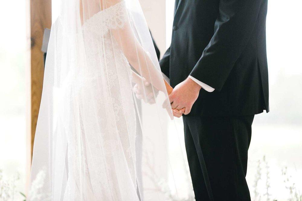 HEBERT_MORGAN_AND_CLAY_ALLEEJ_THE_FARMHOUSE_MONTGOMERY_TEXAS_WEDDING_0108.jpg