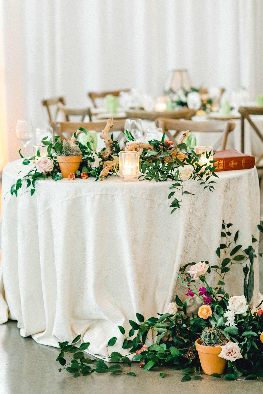 HEBERT_MORGAN_AND_CLAY_ALLEEJ_THE_FARMHOUSE_MONTGOMERY_TEXAS_WEDDING_0120.jpg