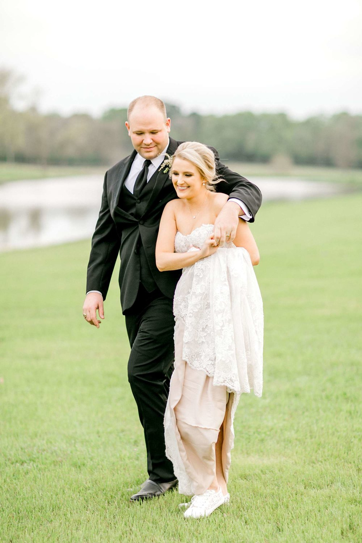 HEBERT_MORGAN_AND_CLAY_ALLEEJ_THE_FARMHOUSE_MONTGOMERY_TEXAS_WEDDING_0145.jpg