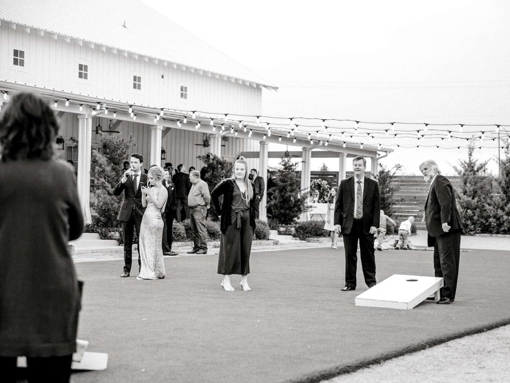 HEBERT_MORGAN_AND_CLAY_ALLEEJ_THE_FARMHOUSE_MONTGOMERY_TEXAS_WEDDING_0150.jpg