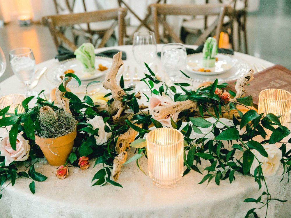 HEBERT_MORGAN_AND_CLAY_ALLEEJ_THE_FARMHOUSE_MONTGOMERY_TEXAS_WEDDING_0153.jpg