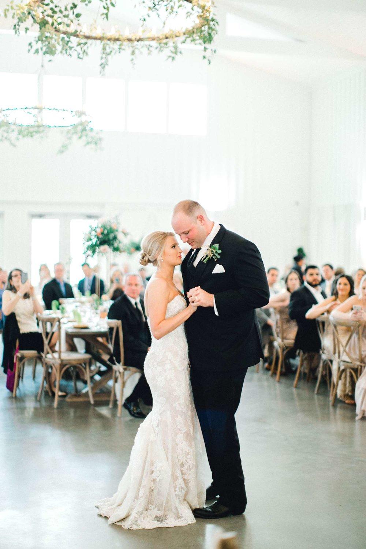 HEBERT_MORGAN_AND_CLAY_ALLEEJ_THE_FARMHOUSE_MONTGOMERY_TEXAS_WEDDING_0164.jpg