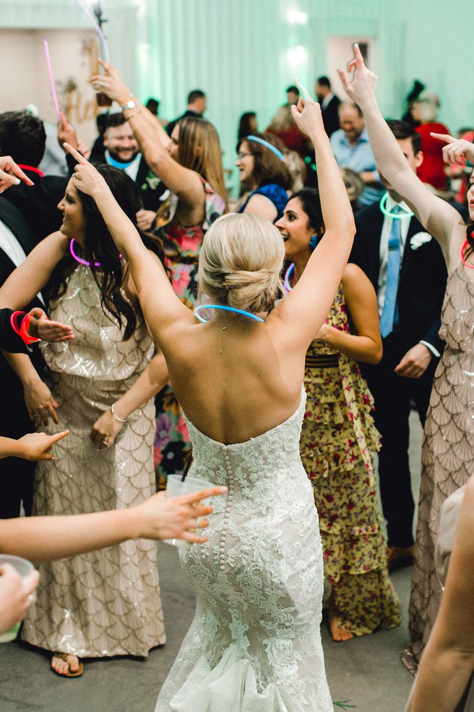 HEBERT_MORGAN_AND_CLAY_ALLEEJ_THE_FARMHOUSE_MONTGOMERY_TEXAS_WEDDING_0216.jpg