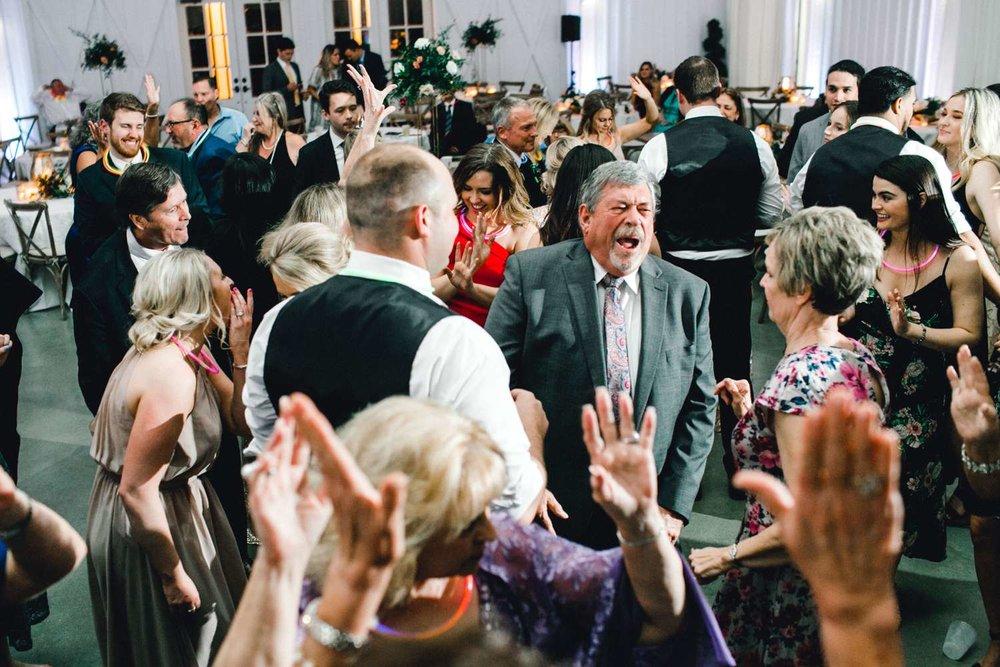 HEBERT_MORGAN_AND_CLAY_ALLEEJ_THE_FARMHOUSE_MONTGOMERY_TEXAS_WEDDING_0237.jpg
