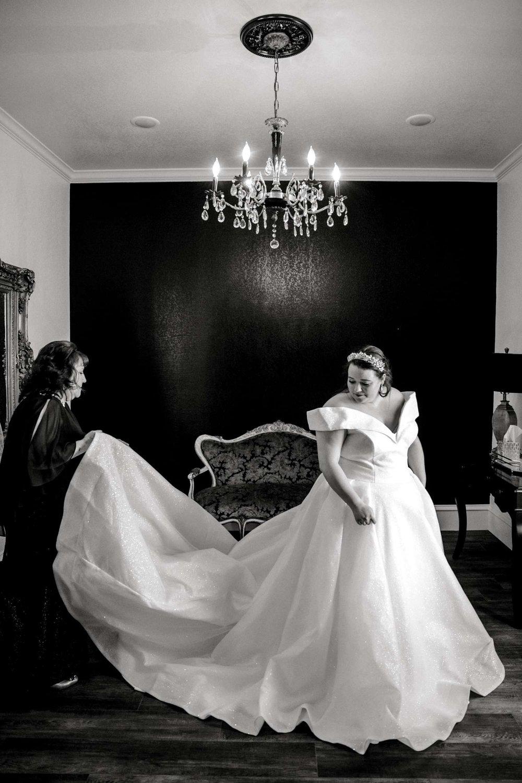 CASSIDY+AND+HARLEY+BRADLEY+EBERLEY+BROOKS+CHAPEL+LUBBOCK+WEDDING+PHOTOGRAPHER+ALLEEJ_0023.jpg