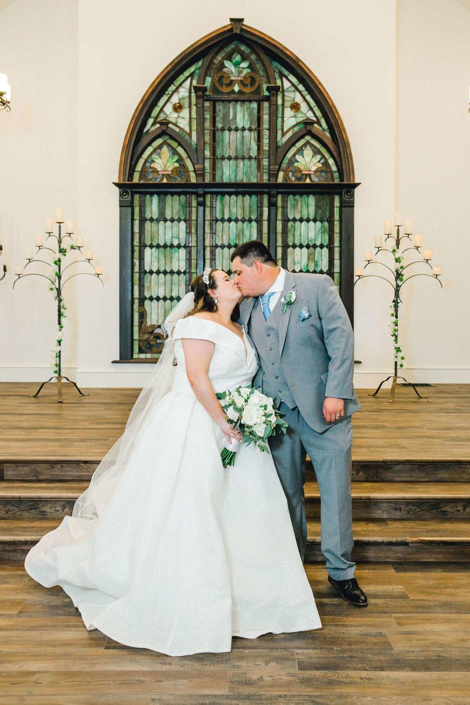 CASSIDY+AND+HARLEY+BRADLEY+EBERLEY+BROOKS+CHAPEL+LUBBOCK+WEDDING+PHOTOGRAPHER+ALLEEJ_0085.jpg