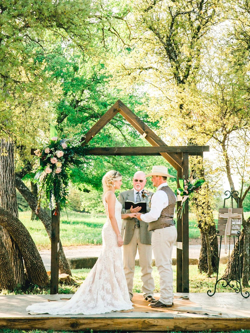 SARAH+TREVOR+BADGETT+SPARROW+CREEK+GRAHAM+TEXAS+ALLEEJ+WEDDINGS_0070.jpg