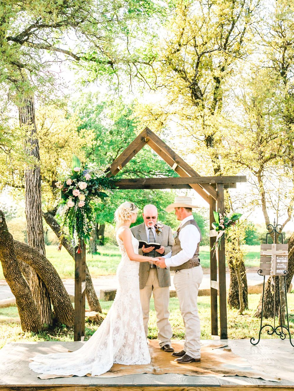 SARAH+TREVOR+BADGETT+SPARROW+CREEK+GRAHAM+TEXAS+ALLEEJ+WEDDINGS_0074.jpg