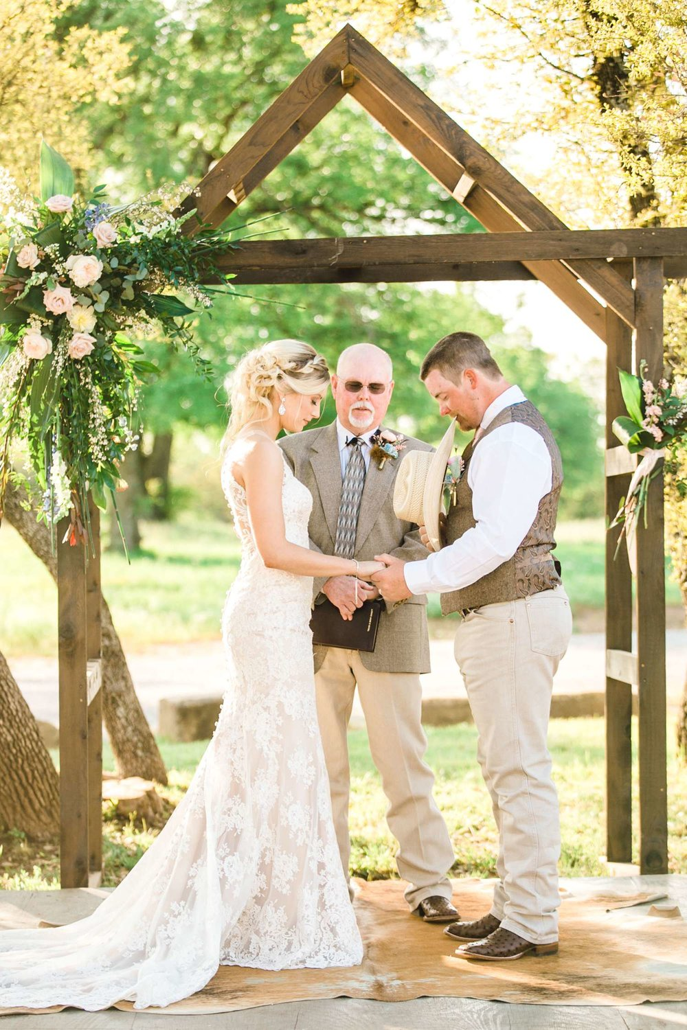 SARAH+TREVOR+BADGETT+SPARROW+CREEK+GRAHAM+TEXAS+ALLEEJ+WEDDINGS_0076.jpg