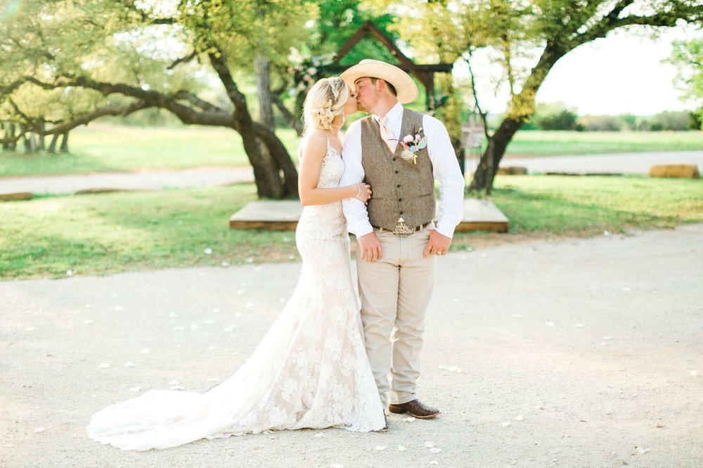 SARAH+TREVOR+BADGETT+SPARROW+CREEK+GRAHAM+TEXAS+ALLEEJ+WEDDINGS_0105.jpg