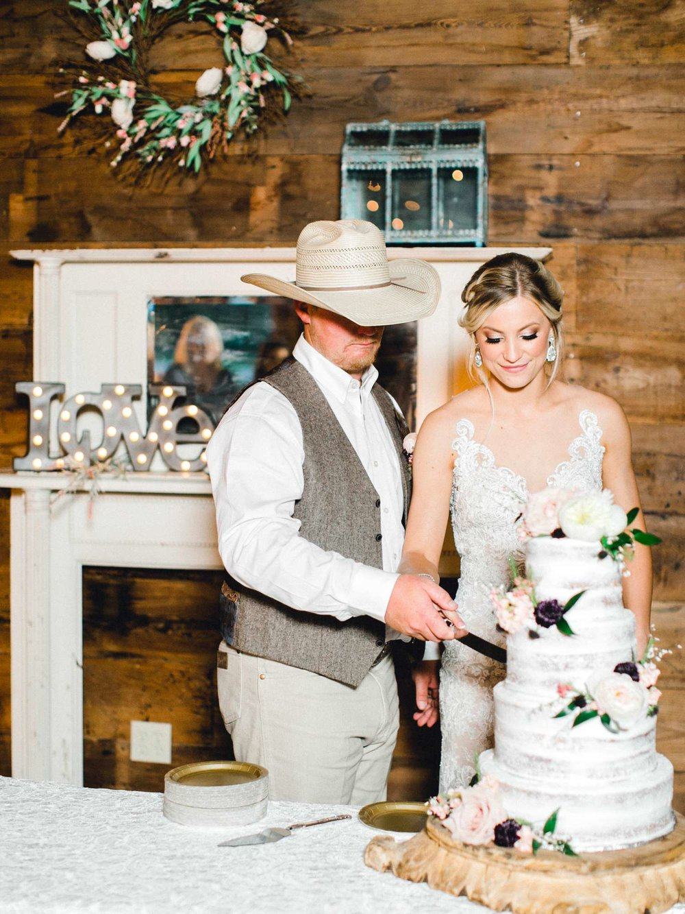 SARAH+TREVOR+BADGETT+SPARROW+CREEK+GRAHAM+TEXAS+ALLEEJ+WEDDINGS_0130.jpg