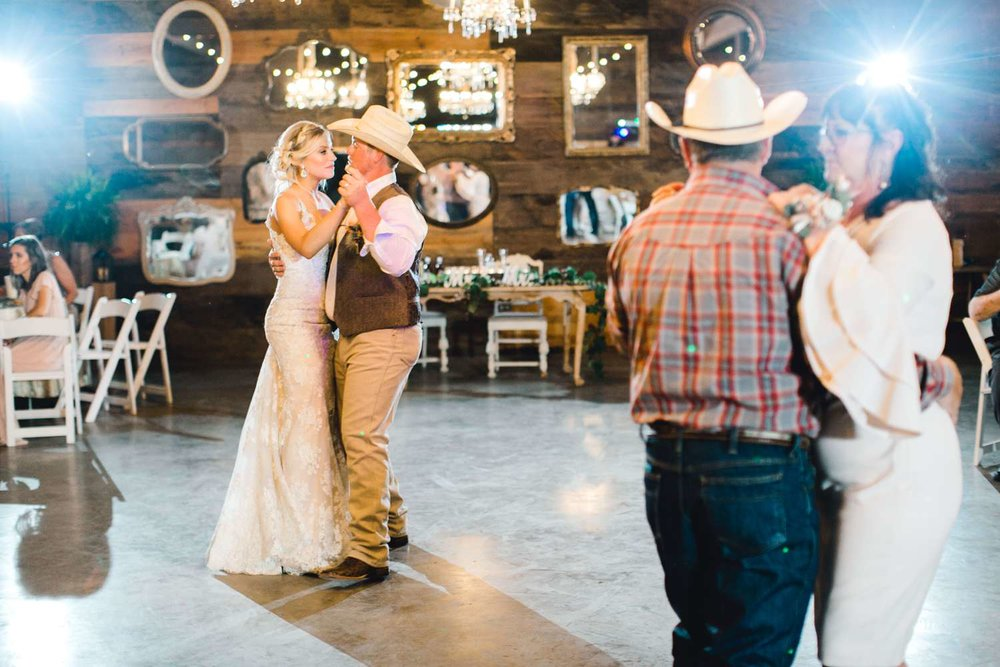SARAH+TREVOR+BADGETT+SPARROW+CREEK+GRAHAM+TEXAS+ALLEEJ+WEDDINGS_0151.jpg
