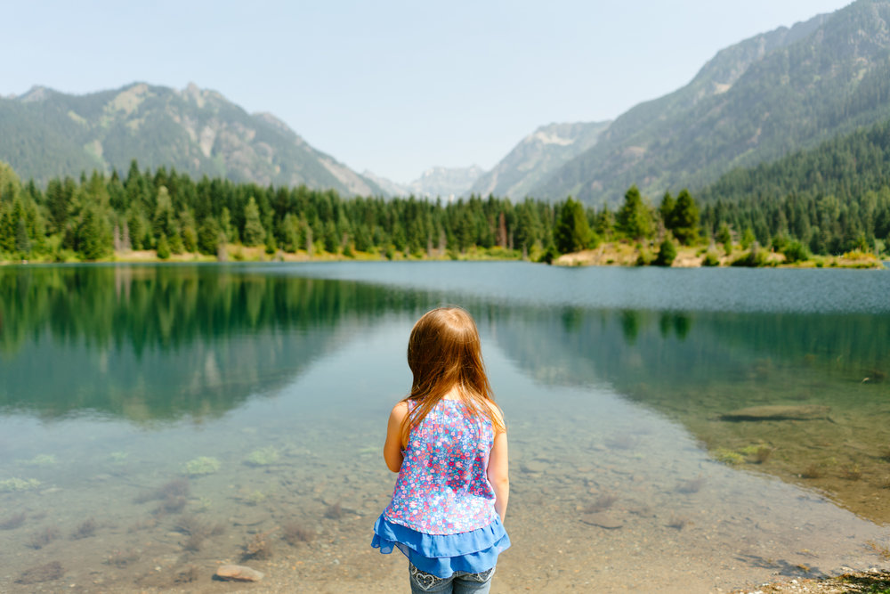 Family Portrait Photography Session at Gold Creek Pond in Snoqualmie Pass, Washington by Children's Photographer Hello Narwhal
