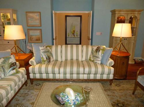 tropical-living-room-2.jpg