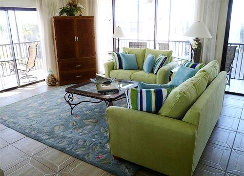 beach-style-living-room-3.jpg