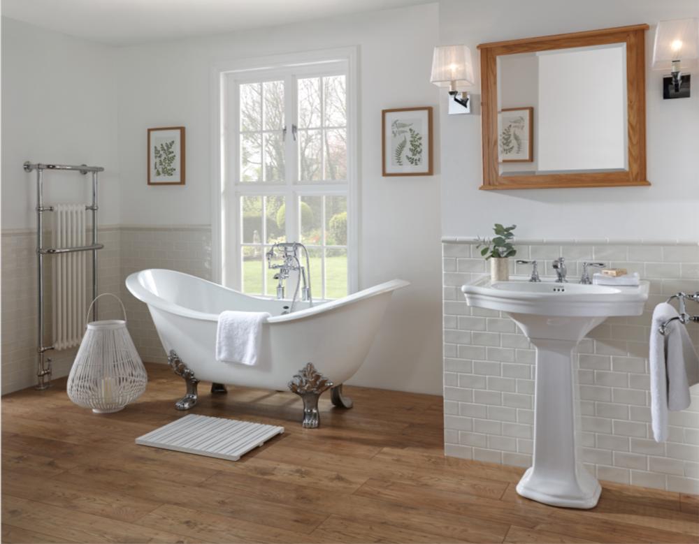 Bathroom freestanding bath.png