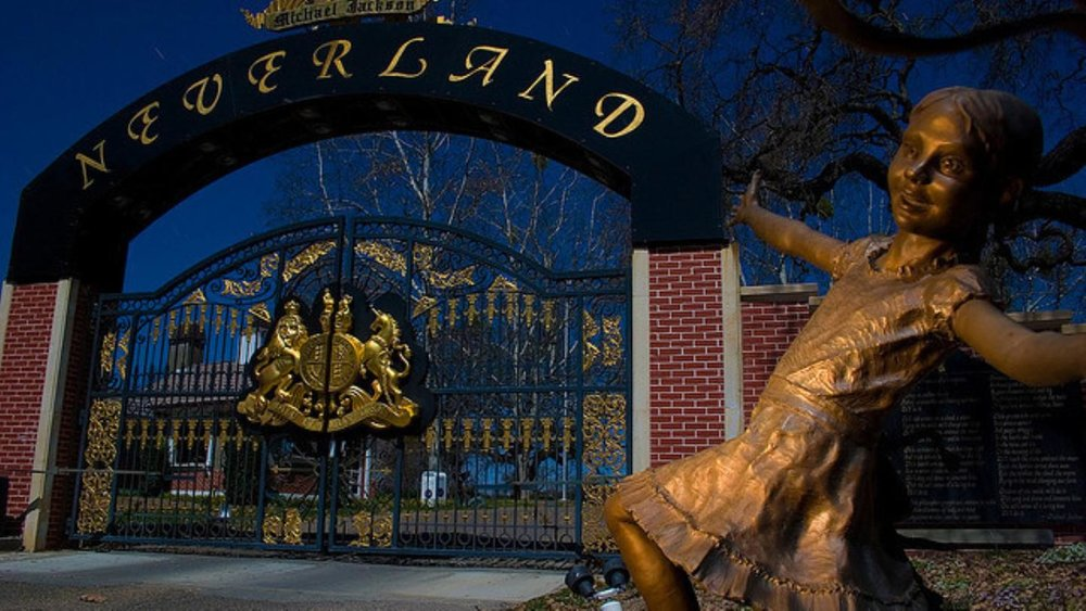 Urban-Exploring Michael Jackson's Neverland Ranch - Jun 27 2014